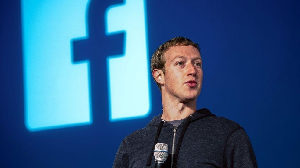 Izraeliek vére tapad Mark Zuckerberg kezéhez