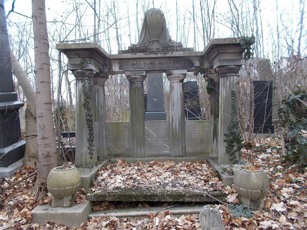 Megkezdődött a farkasréti és az óbudai zsidó temető rendbetétele