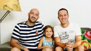 Meleg izraeli családok fogadják be a magányos katonákat az ünnepek alatt