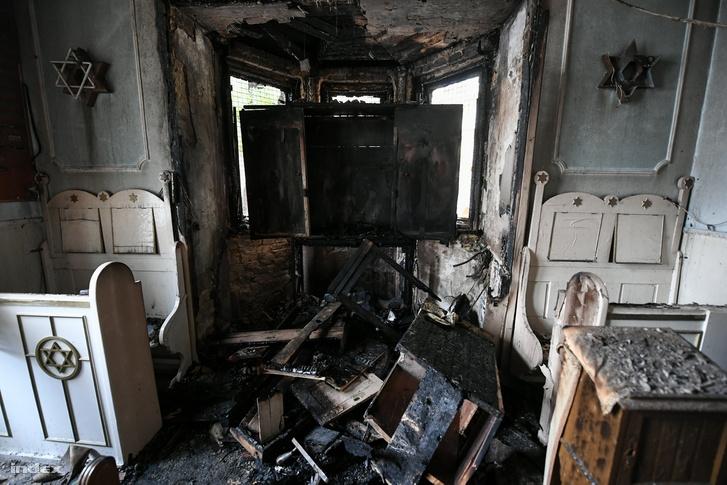 Tűz pusztított a zuglói zsinagógában
