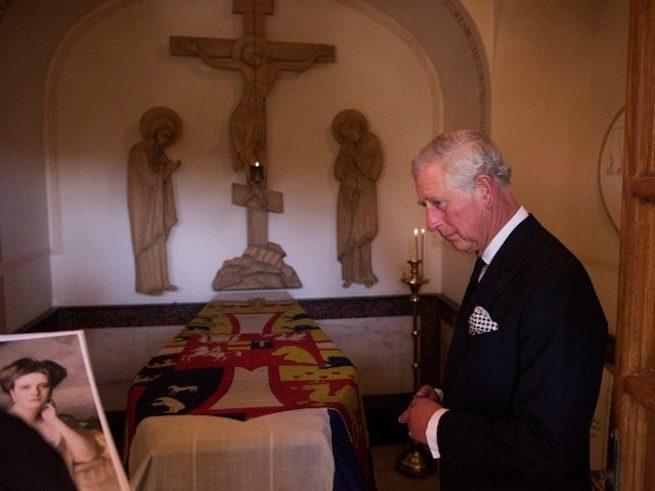 A brit trónörökös titokban meglátogatta nagymamája sírját Jeruzsálemben
