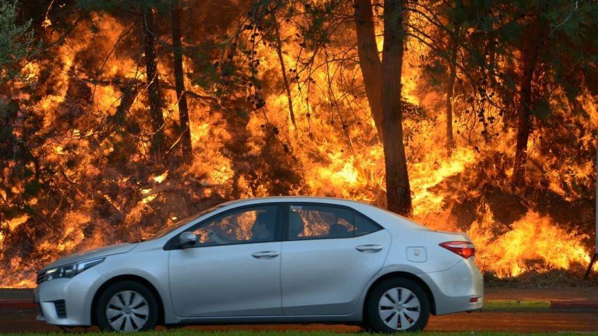 Hatalmas tűzvész pusztít Izraelben
