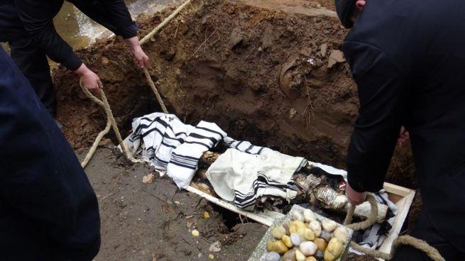 A Tórák temetése (Fotó: Csillag Ádám)