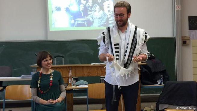 Mascha Schmerling és Monty Aviel Zeev Ott az egyik szemináriumon