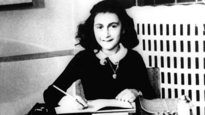 Anne Frank medáljának hasonmását találták meg a sobibori haláltáborban