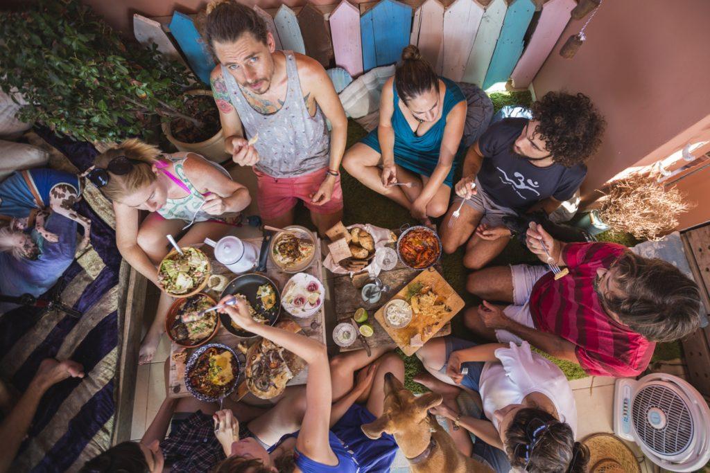 2 óra Tel-Avivban: Vegán főzőworkshop Steiner Kristóffal