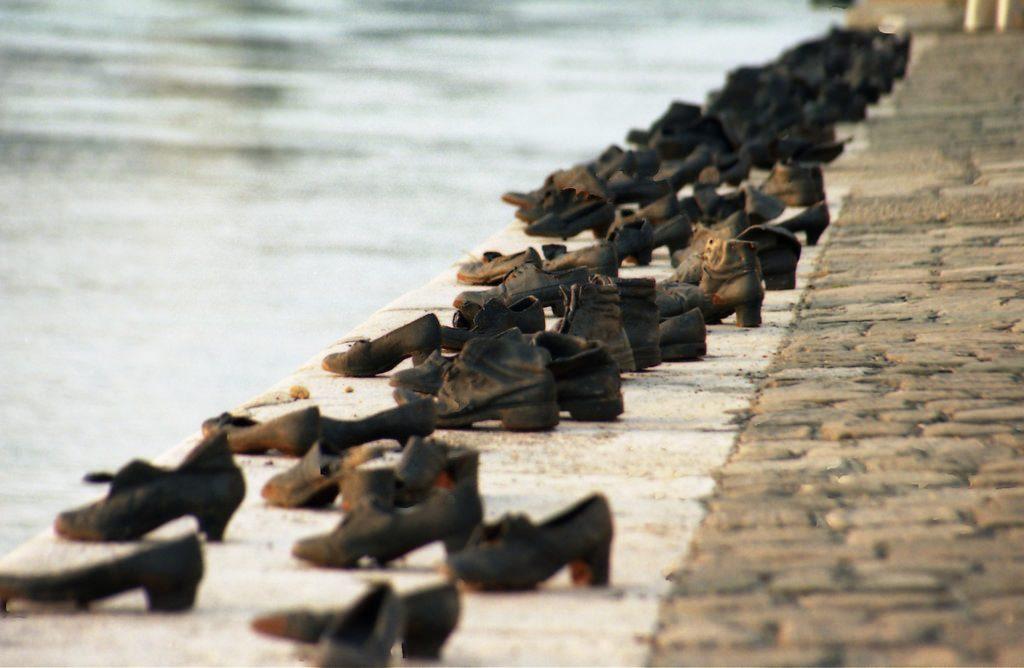A világ második legjobb szobrának választották a Duna-parti holokauszt emlékművet