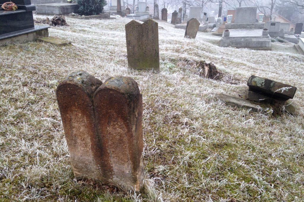 Elfeledett zsidó temetők nyomában