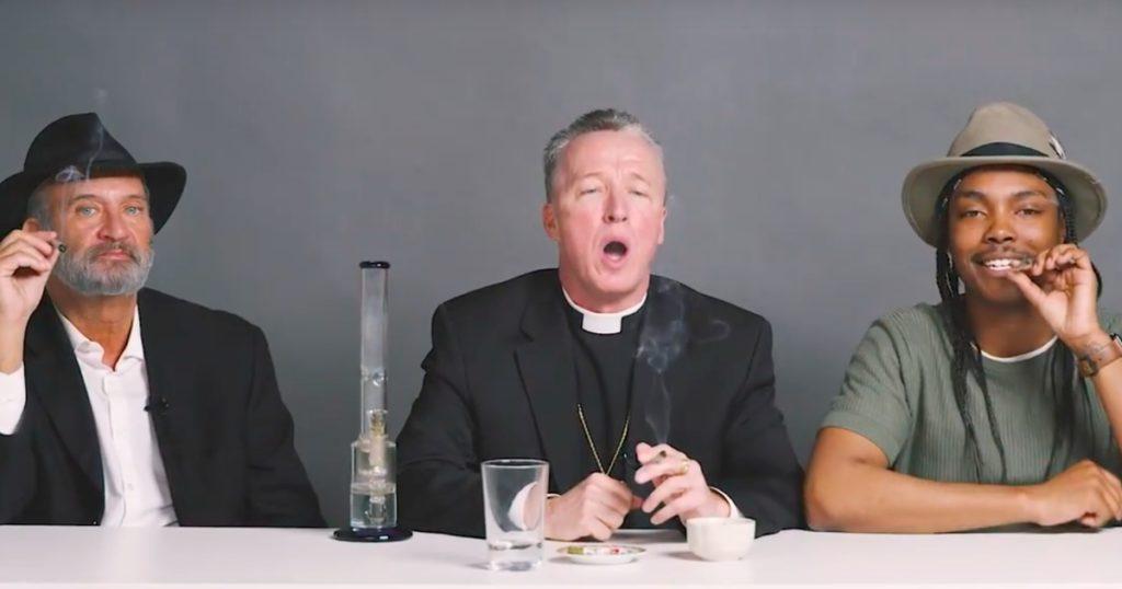 Mi történik, amikor egy rabbi, egy pap és egy ateista együtt füvezik?