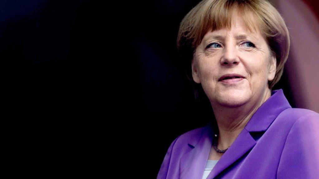 Elie Wieselről elnevezett díjjal tüntetik ki Angela Merkelt