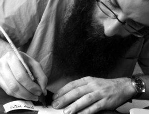 Légy Te is Pávatollforgató! – Kétnapos héber kalligráfia és szófer workshop a Páva Utcai Zsinagógában