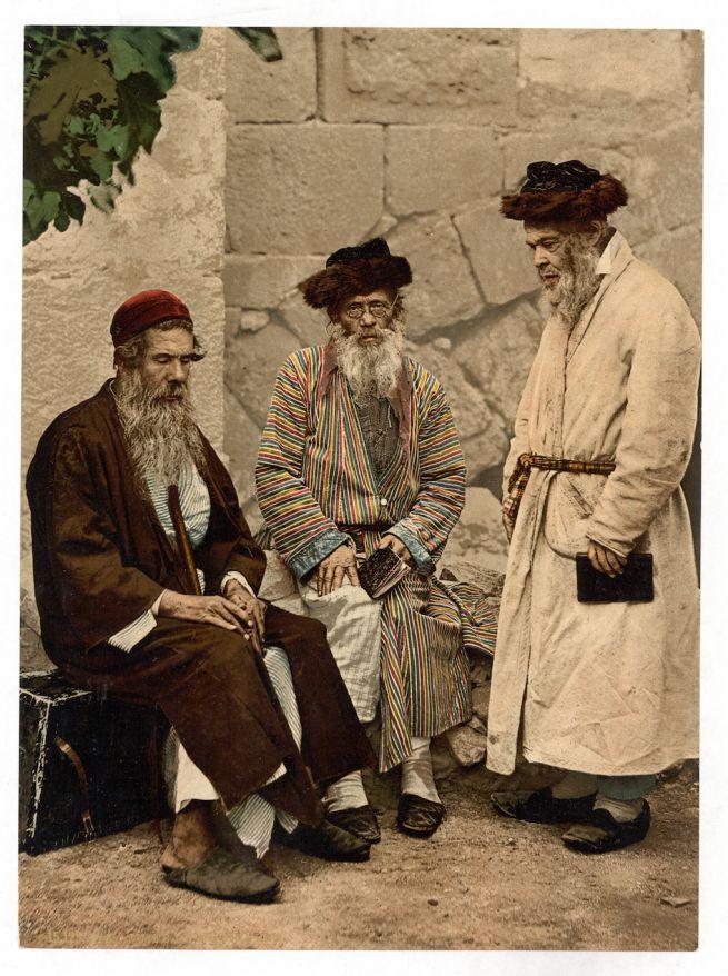 Színes kaftános zsidók Jeruzsálemben