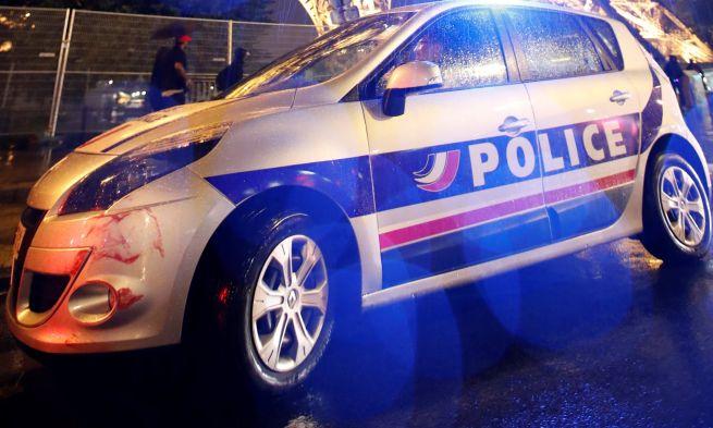 Francia rendőrség a brutális támadás helyszínén