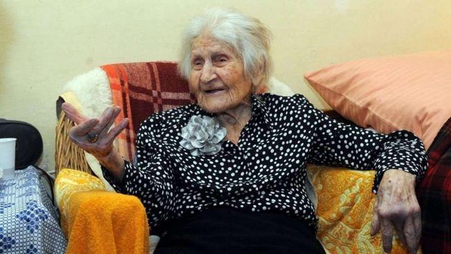Elza néni 108 évesen (Fotó: Kisalföld)