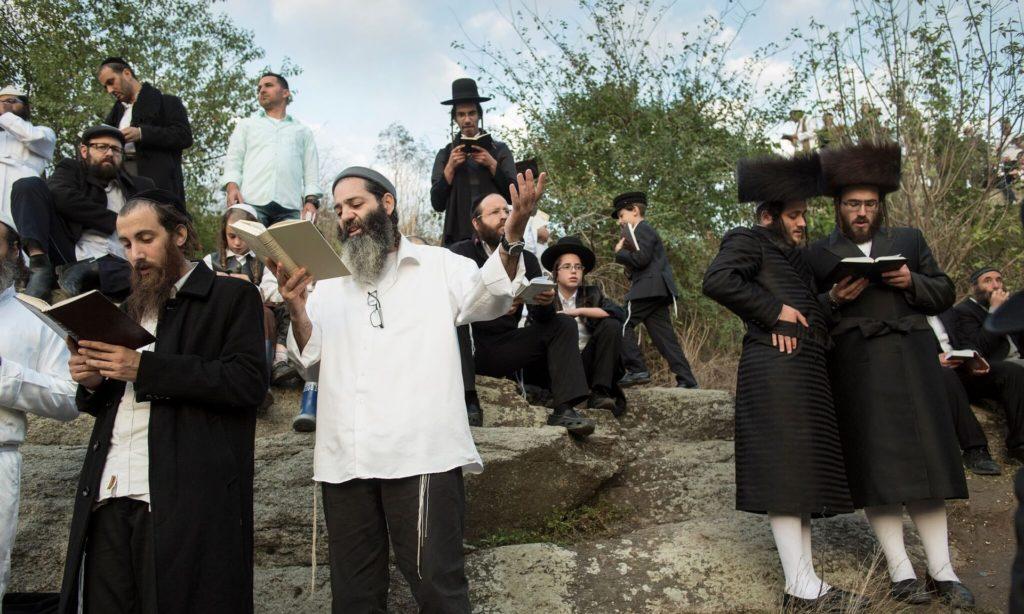 Több mint harmincezer haszid zsidó ünnepelte a ros hasánát az ukrajnai Umanban