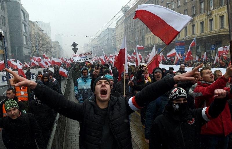 Mosakszik a lengyel külügy a hétvégi fajvédő menet miatt