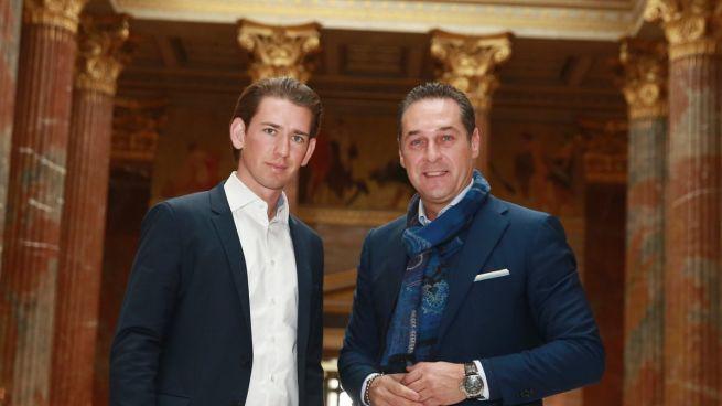 Sebastian Kurz osztrák kancellár és Heinz-Christian Strache, az Osztrák Szabadságpárt (FPÖ) vezetője