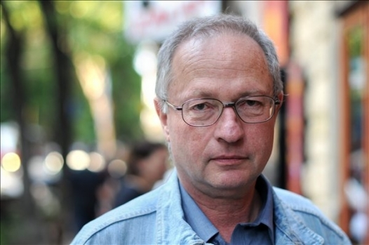 Spiró: Demokráciának nálunk a diktatúrák közti átmenetet nevezik