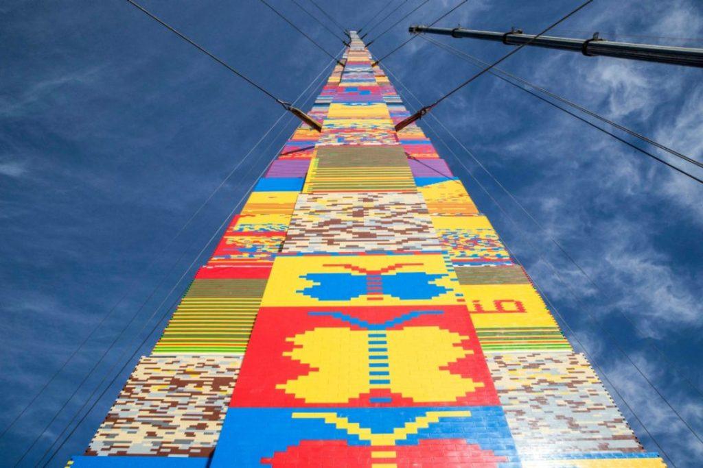 Világcsúcs Tel Avivban! 36 méteres Lego torony épült