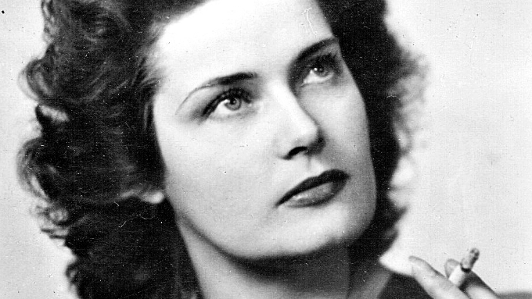 Új emléktábla a zsidómentő Karády Katalinnak