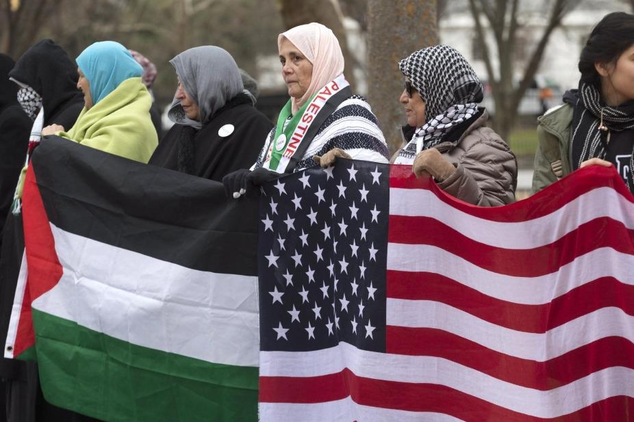 Trump fel akarja függeszteni a palesztin segélyeket