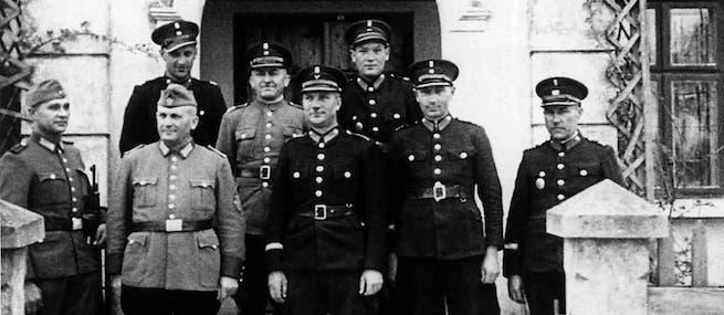 Német es lengyel rendőrök 1943-ban