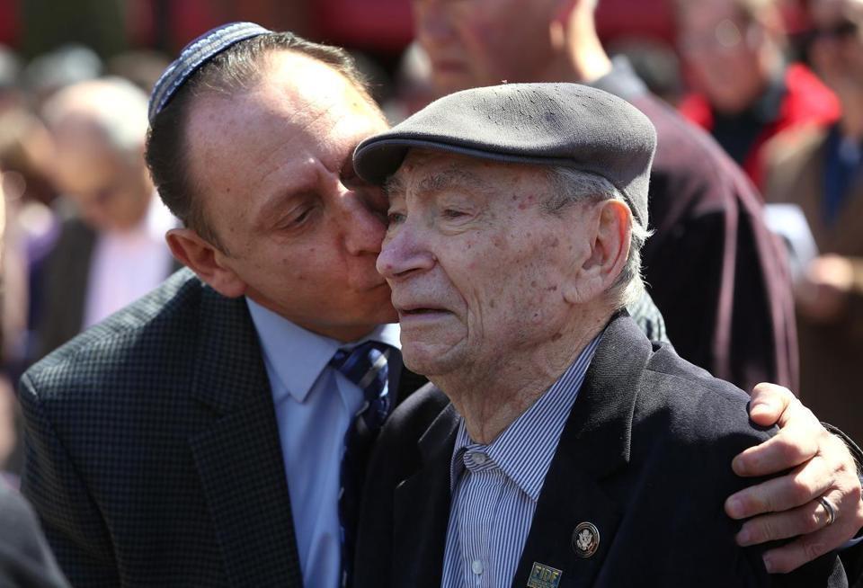 Százmillió forint a holokauszt-túlélők második generációjának megsegítésére