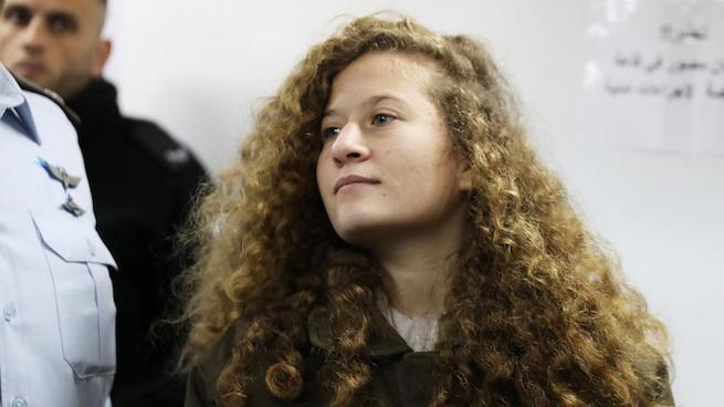 Vádalkut kötött, nyolc hónapra börtönbe vonul Ahed Tamimi