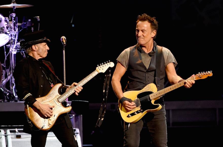Egy régi bar micvó ajándék mentette meg Bruce Springsteen koncerjét!