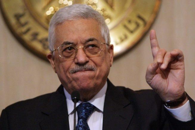 Az antiszemitizmus legmélyebb bugyraiba ugrott fejest a palesztin elnök