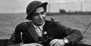 Ma 64 éve lépett aknára Robert Capa