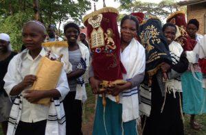 Nemsokára az ugandai zsidóknak is saját női rabbijuk lehet