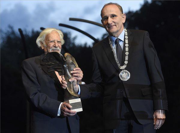 bálint gazda, bálint györgy, kertészmérnők, bóta café, magyar szabadságért díj, gödöllő