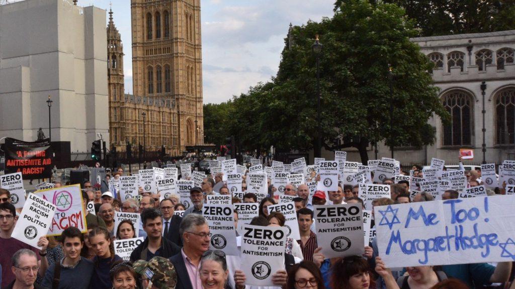 Brit zsidók antiszemitizmussal vádolják a Munkáspártot