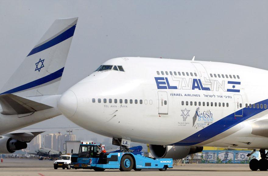 Leszállítja az El Al azokat az utasait, akik nem hajlandók nők mellé ülni