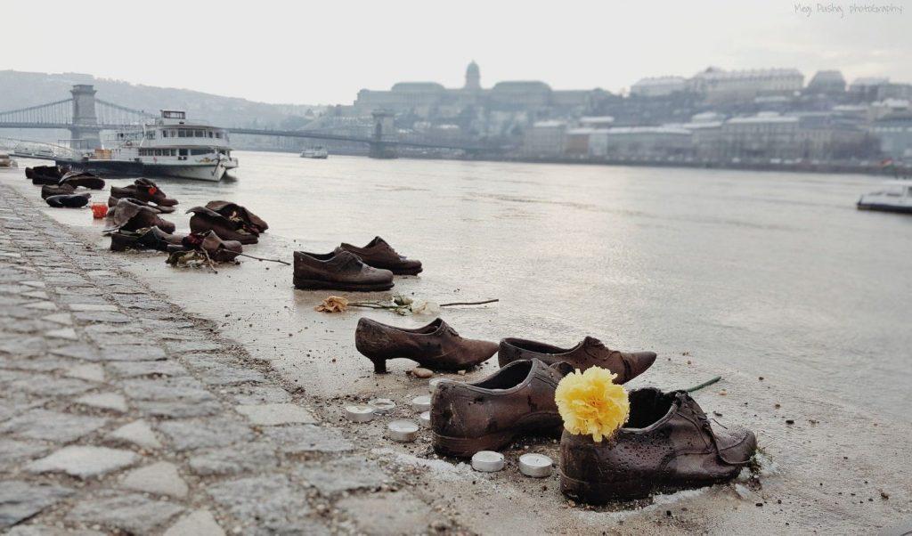 A totalitárius diktatúrák áldozataira emlékeznek a mai napon