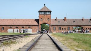 Muzulmán fiatalok látogattak Auschwitzba