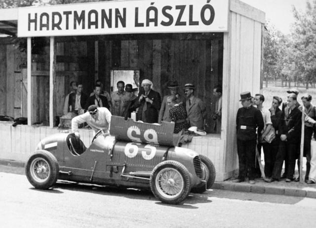 Megújult a világhírű magyar-zsidó autóversenyző sírja