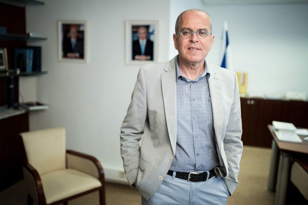 Yossi Amrani: Nyisd ki a kaput