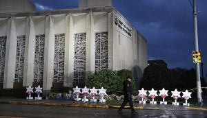Nem hajlandó zsinagógának nevezni a pittsburghi mészárlás helyszínét az izraeli főrabbi