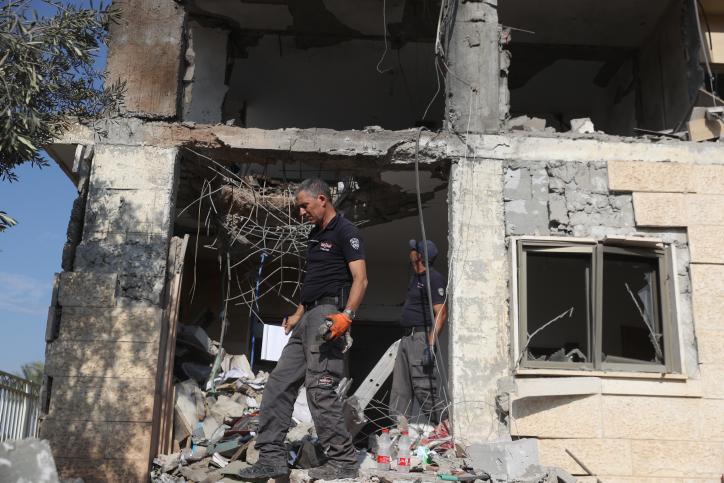 Egy izraeli lakóházba csapódott a gázából kilőtt rakéta