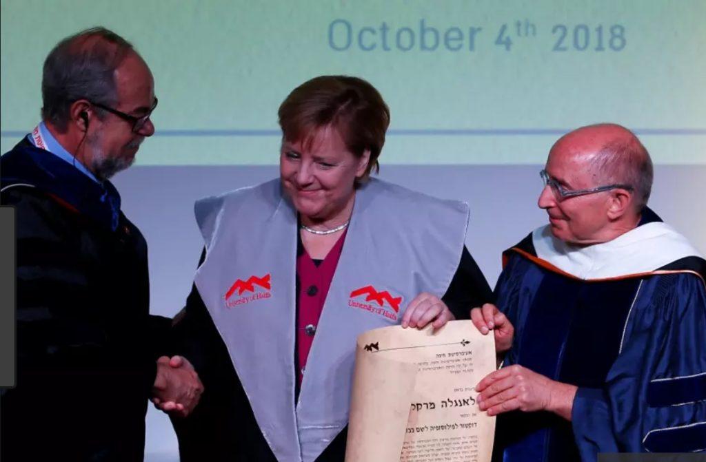 A Haifai Egyetemtől kapott doktori címet Angela Merkel