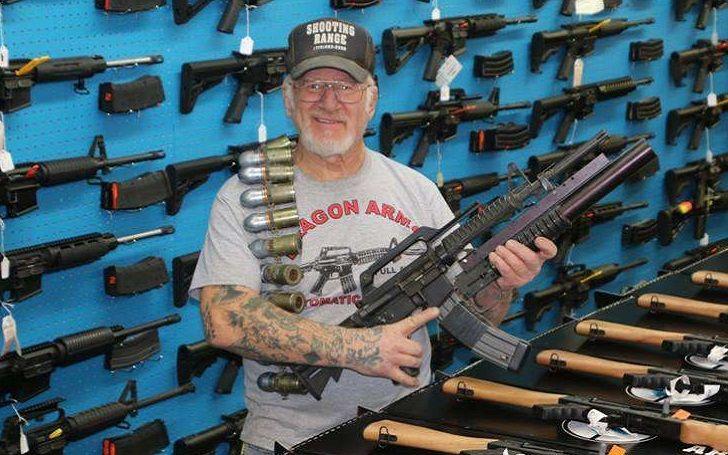 Ingyen puskát ajánlott rabbiknak a kolorádói zsidó fegyverbolt-tulajdonos