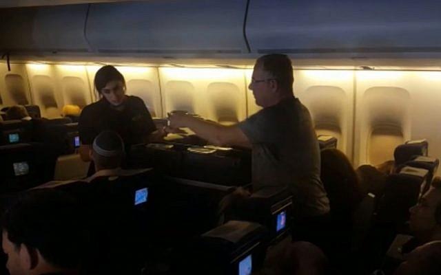 A vallásos utasok szerint nem történt erőszak az El Al járaton