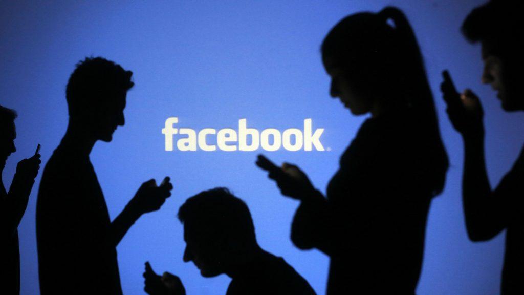 Gond nélkül terjednek a Facebook-on a gyűlöletkeltő kampányok