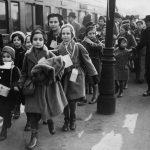Fájdalomdíjat kapnak a Kindertransport még élő tagjai