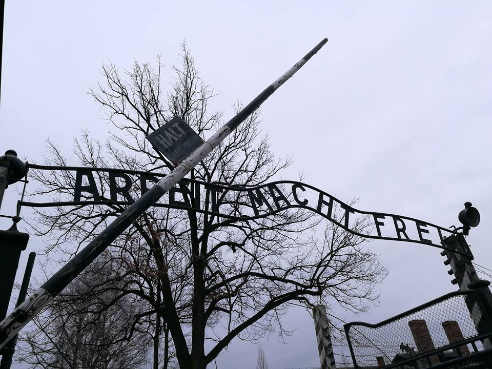 Lengyel szélsőjobboldaliak demonstráltak Auschwitznál
