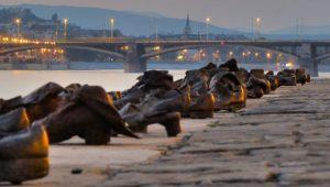 Tényleg ellenkezik a háláchával a Dunába lőtt emberek csontjainak kiemelése?