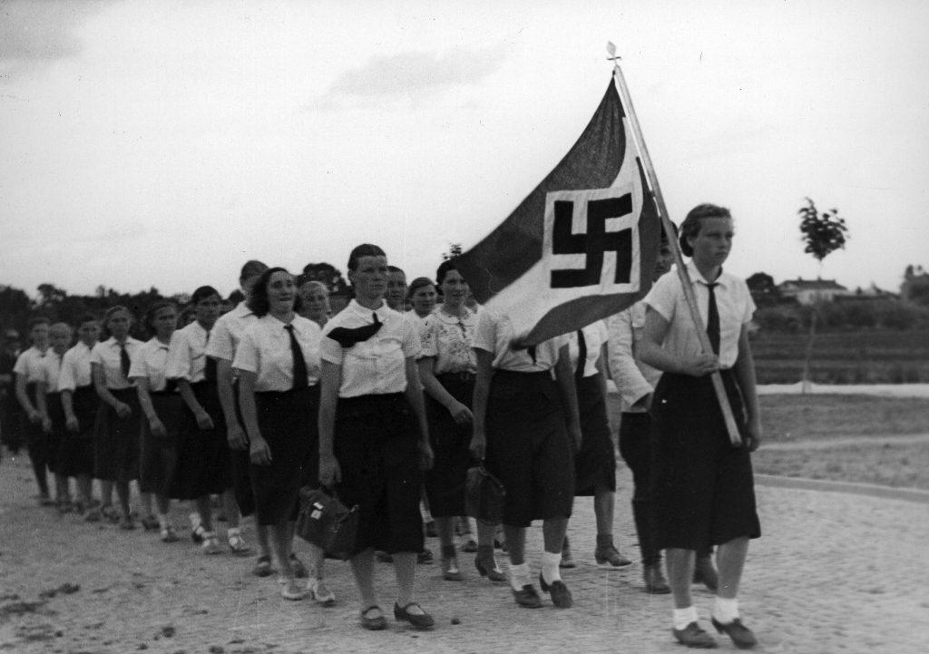 A német nőknek is komoly szerepe volt a népirtásban