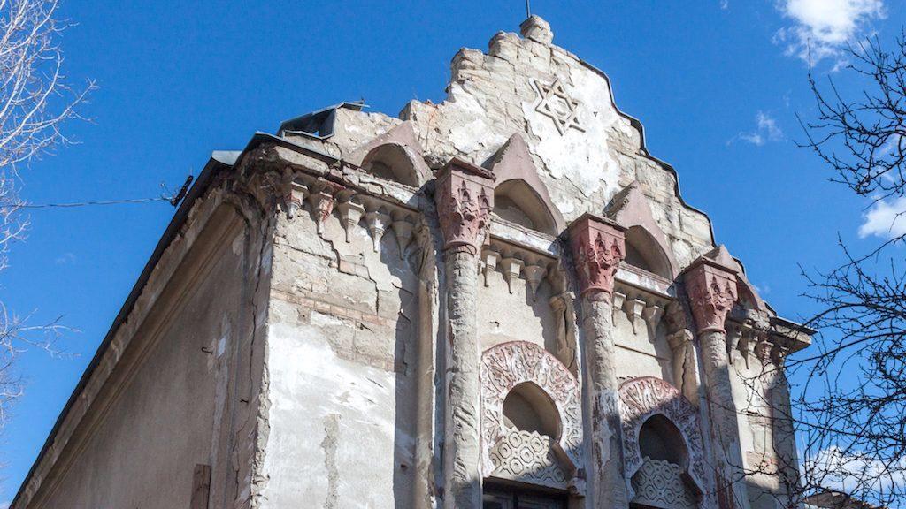 Az összeomlás veszélye fenyegeti Zugló elfeledett zsinagógáját